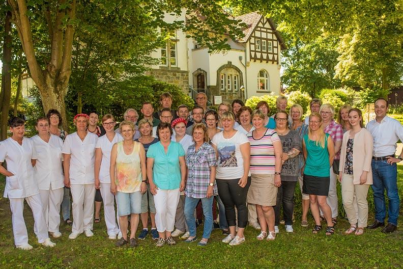 Gruppenfoto des Teams des Bildungszentrums Heimvolkshochschule Hustedt e.V.